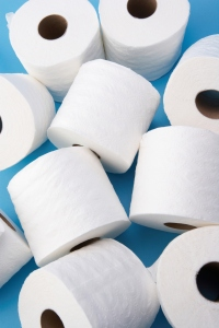 toilet-paper-tug-of-war